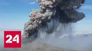 Вулкан Эбеко накрыл пеплом Северо-Курильск - Россия 24